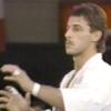 極真空手の第4回世界大会で構えるアンディ・フグ