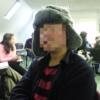 ロシアの耳当て帽子を被る男