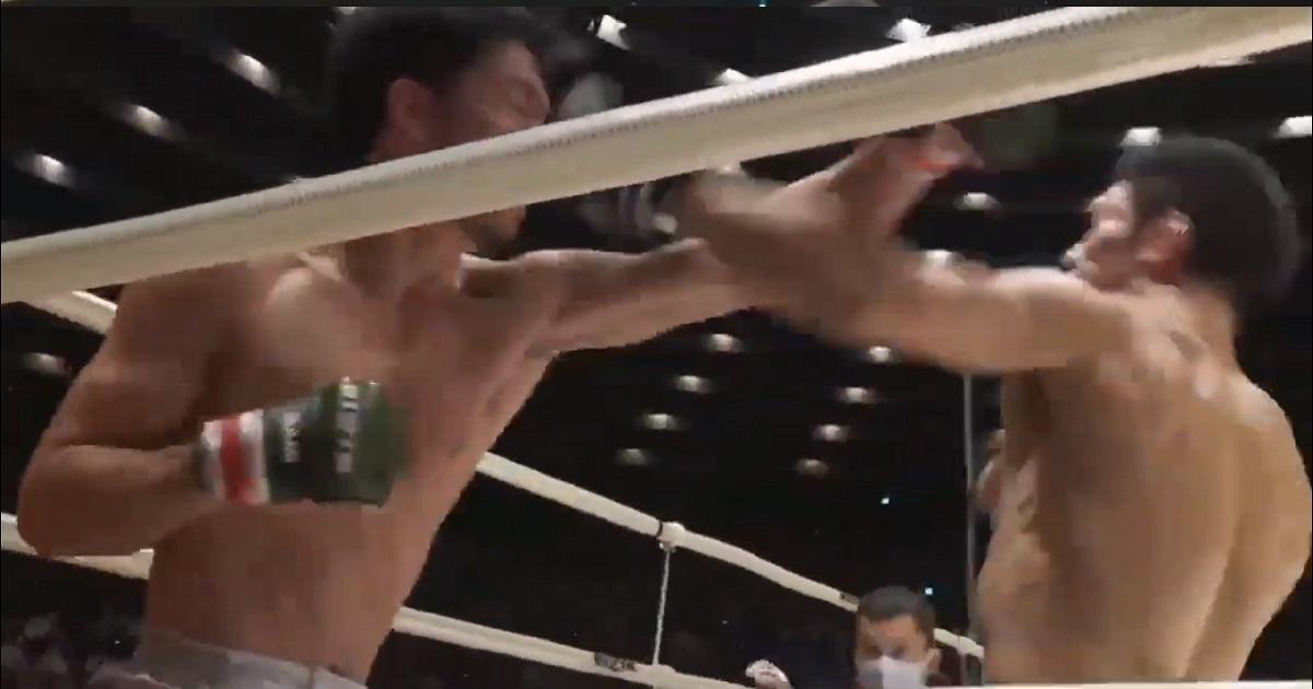 RIZIN25で斎藤裕と殴り合う朝倉未来